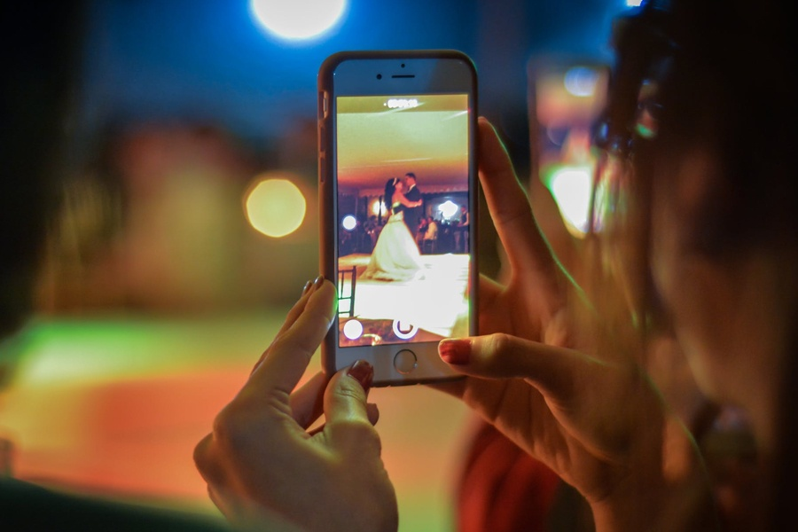video-phone-wedding-1